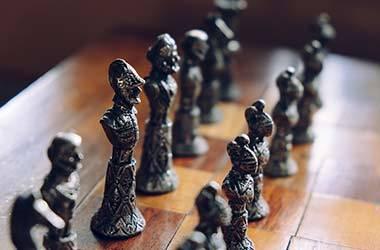 Schachspiel für 3 Personen Spieler aus Holz Figuren Schachbrett handgefertigtes